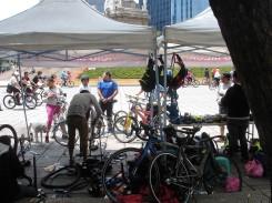 es gibt auch eine Fahrradwerkstatt