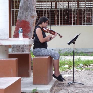 im Hof der Musikschule