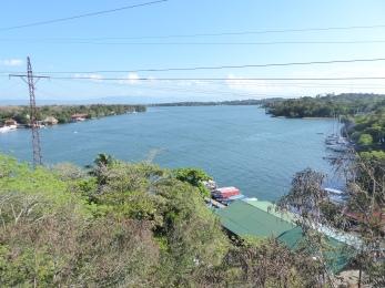 Blick von der Brücke Richtung Lago Izabal