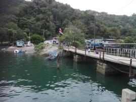 Brücke an der Flussmündung