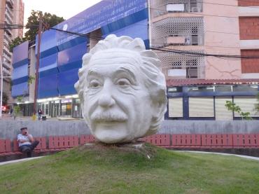 wie kommt Einstein nach Panama?